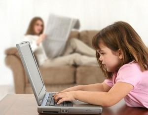 Tipp: Internet-Einsteiger niemals alleine surfen lassen. So haben sie alles unter Kontrolle