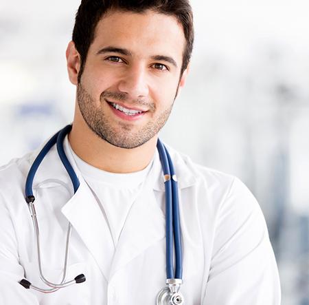 Der Arzt rät zu gesundem Lebenswandel, denn auch Übergewicht, Rauchen und übermäßiger Alkoholkonsum kann die Fruchtbarkeit beeinflussen
