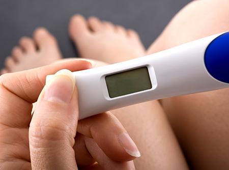 Der Schwangerschaftstest gibt rasch auskunft, ob es geklappt hat
