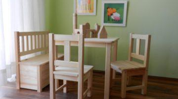 Kindersitzgruppe aus Massivholz