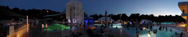Samstägliches Nachtschwimmen im Aquapark Cikat