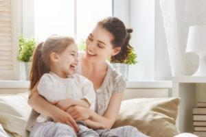 Den Nachwuchs einkleiden: Tipps und Wissenswertes rund um Kinderkleidung