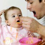 Breikost für Babys – was darf das Baby wann essen?