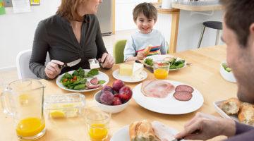 Gemeinsam essen: Der Familientisch als Bestandteil des Familienlebens